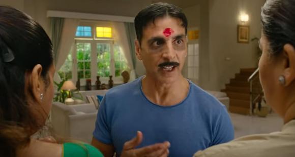 Laxmmi Bomb Trailer: Akshay Kumar turns into sari clad fierce Laxmmi as he battles circus of family and ghosts